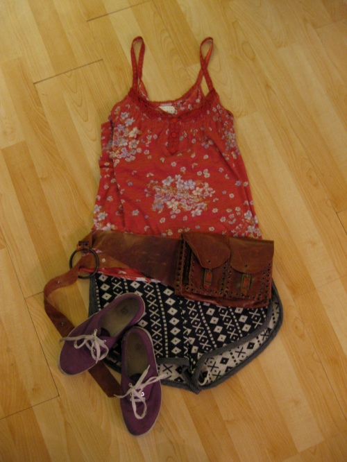 Floral Print Tank Top, Navajo Shorts & Leather Hip Pouch