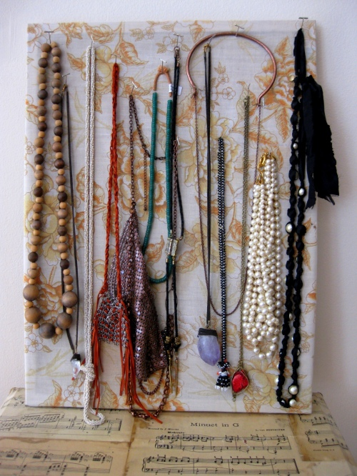 Creative Jewelry Solution - Bulletin Board Necklace Display