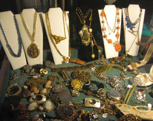 Modern Vintage Chicago - Jewelry