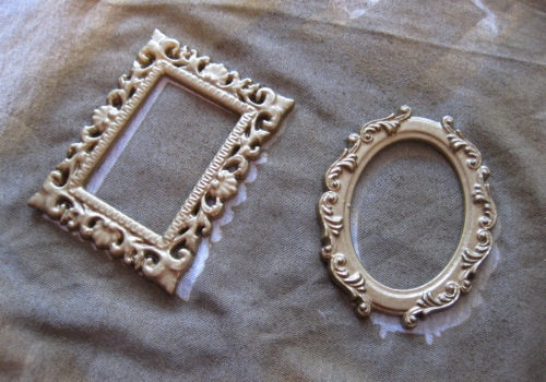 DIY - Spray Painted Picture Frames