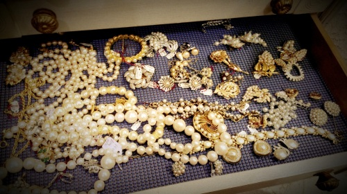 Randolph St Market - Vintage Jewelry (10)
