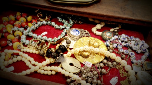 Randolph St Market - Vintage Jewelry (11)