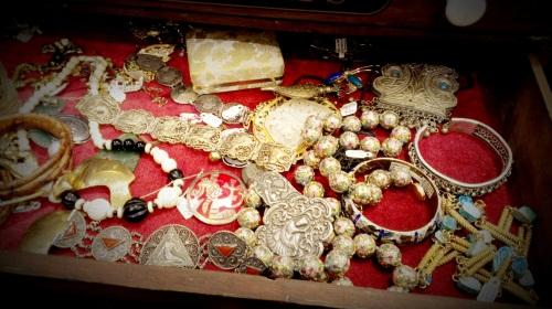 Randolph St Market - Vintage Jewelry (12)