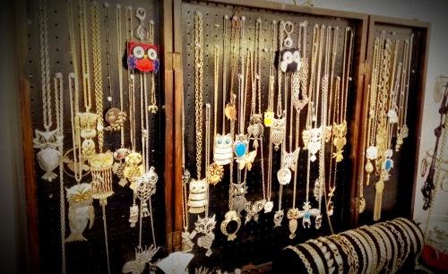 Randolph St Market - Vintage Jewelry (18)