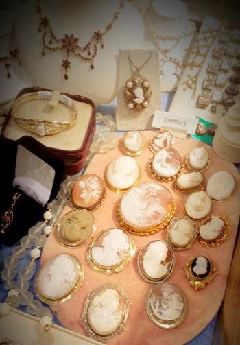Randolph St Market - Vintage Jewelry (21)