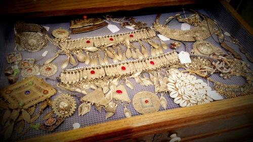 Randolph St Market - Vintage Jewelry (3)