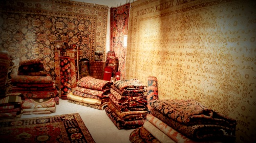 International Antiques Fair - Woven Rugs