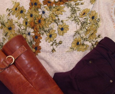 Spring Outfit - Floral Top & Burgundy Bottoms Detail Shot
