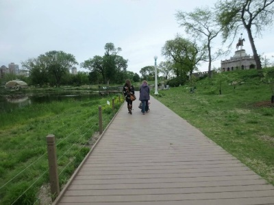 Strolling through Lincoln Park