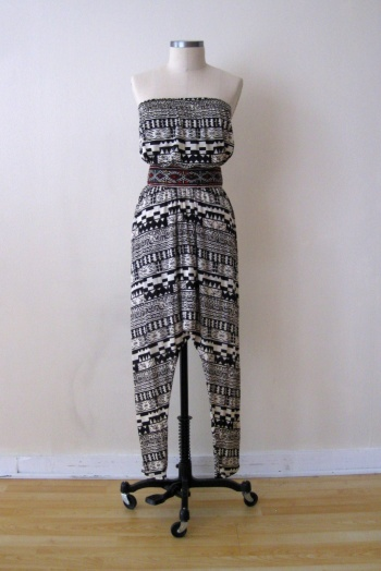 Urban Outfitters black & ivory navajo print jumper (1)