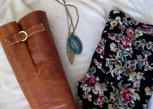 Ivory Knit Poncho & FP Floral Print Cords (4)